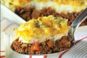 Cottage pie with leek and potato topping